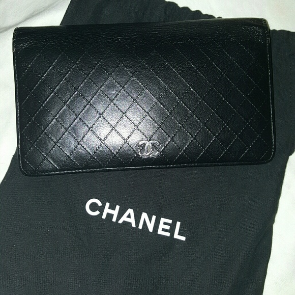 CHANEL Handbags - 🎇 Chanel lamb diamond stitch L wallet